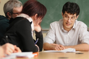 Steven Galloway offers advice to aspiring writers in a UBC classroom. Photo: Dan Touloget